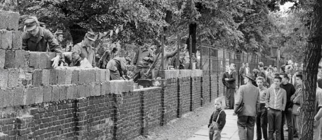 Parcours 1 : RACONTER la crise de Berlin par un dossier documentaire guidé