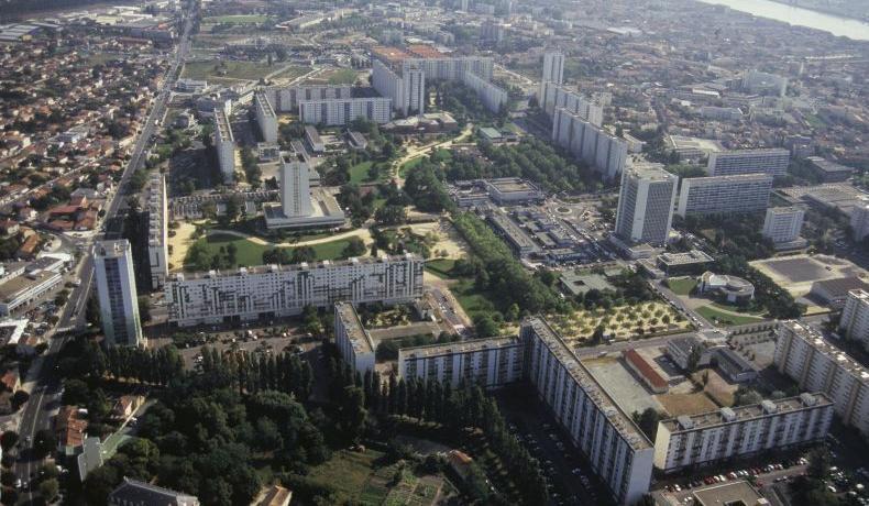 CONSTRUIRE UN CROQUIS: Chartrons, Grand-Pard Jardin Public: un quartier, deux croquis de paysage