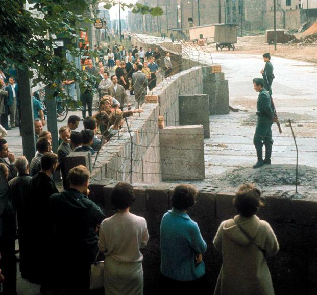 Parcours 2 : RACONTER la crise de Berlin par une tâche complexe